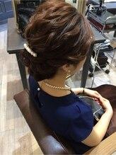 ドレス ヘアーアンドメイク(DRESS hair&make)ゆるウエーブのパーティーアップスタイル
