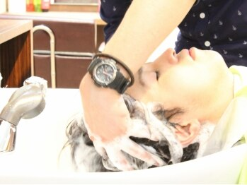 美容室サウスバードの写真/見て!毛穴の詰まりは抜け毛・枝毛・傷んだ髪の原因![炭酸ヘッドスパ]髪の芯から潤いの詰まった健康な美髪♪
