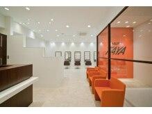 タヤ 福山天満屋店(TAYA)の雰囲気(オレンジを基調とした、上質な空間になつております!場所は2F)