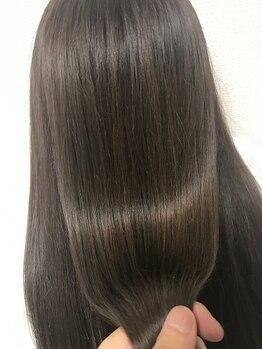 ヘアセラピー サラ(hair therapy Sara)の写真/[荒井/朝9時~営業]徹底的なケアで、どんなときでも艶のある『美髪』を―♪厳選薬剤で深部までダメージ補修