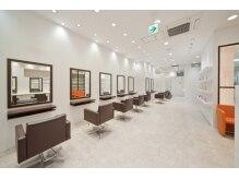 タヤ 福山天満屋店(TAYA)の雰囲気(店内はオールLED照明の最新・ecoサロンです♪)
