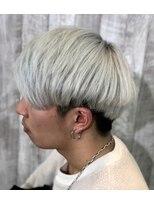 ハイトーンカラー毛先カラーホワイトメッシュマッシュヘア