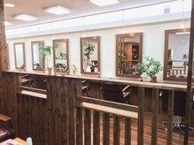 ビューティーサロンビックファイブ BEAUTY SALON Vic5の雰囲気(広々とした店内、リラックスしながらお過ごしいただけます。)