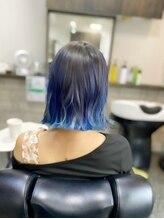 櫛の屋浜口店広めインナーカラー★ブルーカラー