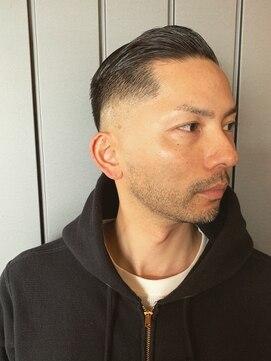 サンディーズ バーバーショップ(SUNDYS BARBERSHOP)サイドパート ツーブロック 刈り上げ 黒髪短髪 ボウズ