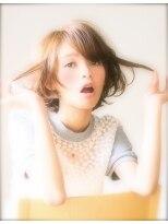 エラ(ELLA)流し前髪☆大人かわいいショートボブ《ELLA中目黒》