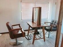 ラニ ヘアーアイラッシュ(lani hair eyelash)の雰囲気(半個室のような空間で日当たりも良く落ち着けるスペース。)