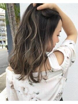 ヘアデザイン ダブル(hair design Double)ハイライトグラデーションカラー