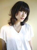 ヘアー グランジ プラス(hair Glunge Plus)重めバングにライトパーマのふんわり潤いスタイル。