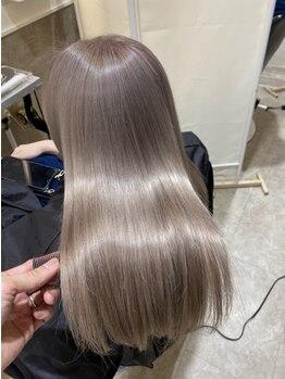 レガシーヘアーデザイン(Legacy hair design)の写真/【SNSで話題のイルミナカラ-も大人気!!】トレンドカラ-など多くのカラ-剤を保有しているカラ-特化サロン♪