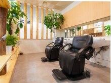 美容室 フェイスの雰囲気(温かみ溢れる空間で、癒しと美を提供します!!)