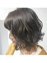 テラスヘア(TERRACE hair)カーキグレージュー×束感ウェーブ