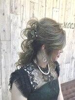 パーティーやイベント、結婚式などでの大人っぽいヘアーセット