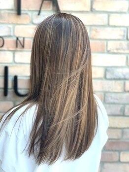 ラ カスタ ヘアスタイリスト クラブ(La CASTA hair stylist club)の写真/パサつきや広がりのお悩み解決します!こんな髪にあこがれてた♪自然な仕上がりのサラつやストレートに♪
