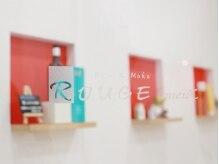 ルージュミュー(ROUGE mieux)の雰囲気(壁が白地に赤がポイント可愛く清潔感のある内装☆季節で変化あり)
