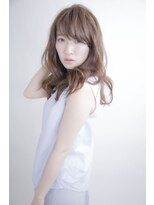 アミィヘアー(Ami Hair)フェミニンロング×コーラルベージュ