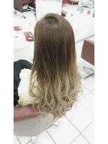 ヘアーアンドメイク ポッシュ 根岸店(HAIR&MAKE POSH)外国人風ホワイトアッシュグラデーションカラー