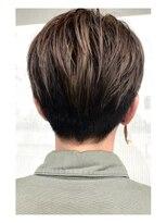 ヘアデザイン ダブル(hair design Double)刈り上げショートのハイライトダブルカラー
