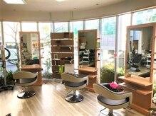 ヘアーサロン コンパス(Hair Salon Compas)の雰囲気(明るいお店で皆さまをお待ちしております♪)