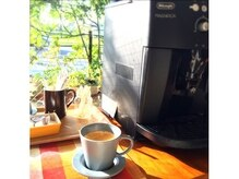 ヘアカラー カフェ(HAIR COLOR CAFE)の雰囲気(カフェ並みのおいしい挽きたてコーヒーがサービス♪)