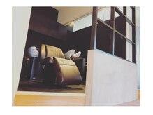 ヘア デザイン ギタ(HAIR DESIGN GHITA)の雰囲気(業界最上級フルフラットシャンプー台でリラックスしたひと時を…)