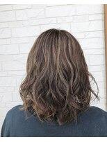 ヘアーグルーミング アイム(Hair &Grooming aim)【レディースカット】ミディアムスタイル&グレージュ