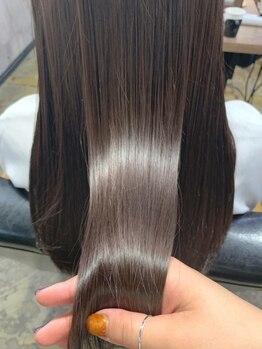 ヘーゼル 博多(HAZEL)の写真/今までにないツヤ感・サラサラ感♪あなたの髪に合わせたTRで、ずっと触れていたくなる感動の仕上がりへ!