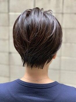 グリムヘアー(GLIM hair)の写真/明るめグレイカラーからしっかりカバーの白髪染めまで◎ナチュラルな透明感とツヤのある上品な大人髪に☆