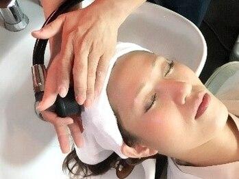 銀座ラボ 蕨西口店(LA BO)の写真/【炭酸ヘッドスパ¥3850】頭皮に潤いを与え引締める『炭酸泉』導入しました!美しい髪は頭皮から…☆