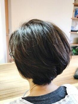 シルフ 武蔵小金井店(sylph)の写真/ハイライト、ローライトなどの白髪カバー、明るめなグレイカラーなど、白髪のお悩みご相談ください♪