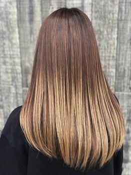 メリソス(mellizos)の写真/【トリートメントで指通り滑らかな美髪に◎】髪の美しさを取り戻す!!うねり&パサつきのお悩み解消Salon◎