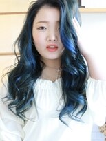 リリィ ヘアデザイン(LiLy hair design)リリィヘアデザイン ハイライトブルーヘアー