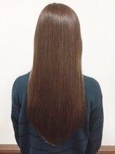 ヘアー ローズ(hair ROSE)胸下ロングストレートスタイル