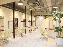 ビューティーラウンジ ビギンズ ヘア(Beauty Lounge BEGINS hair)の雰囲気(1席1席広々としたカットスペース☆)