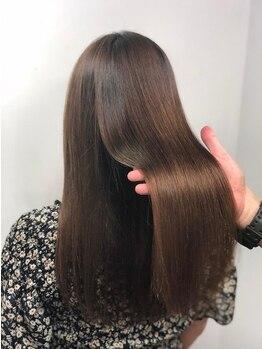 アリア トータルビューティー(Aria total beauty)の写真/新技術・低ダメージの縮毛矯正でさらツヤ美髪に!!つやと手触りに感動すること間違いなし☆