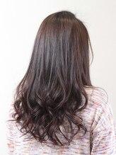 ヘアーデザイン グレーンヒュース(Hair Design Gronhus)ロングパーマスタイル