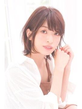 リトル ルル ウメダ(little Lulu Umeda)大人かわいい小顔耳かけショートボブ
