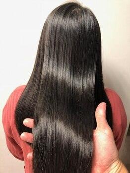 アリア トータルビューティー(Aria total beauty)の写真/[バリジョアトリートメント]【Aria】人気No.1の本格トリートメントで、いつまでも輝くツヤ髪に。