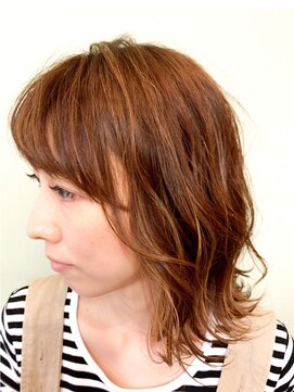 サンディーズ(SUNDYS)ミディアムレイヤー前髪あり