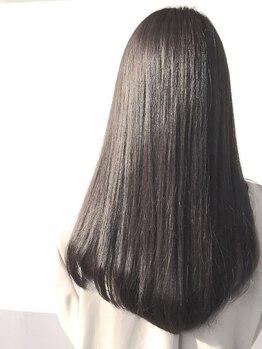 ジゼル 六本松店(GiseL)の写真/補修力、持続力NO1の《TOKIO》トリートメント取扱い♪傷んだ髪も内側から徹底補修で、毛先まで潤うツヤ髪に