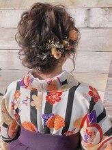 ヘアメイクサロン シャルメ(Hair Make Salon CHARMER)和装に合うルーズなシニヨン!