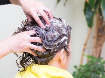ヘアーメイク ビーエスケーピー(hair make B.S.K.P)の写真/極上のヘッドスパで頭皮もスッキリリフレッシュ!日々の疲れも解消!