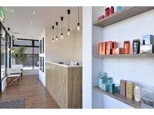 オーブ ヘアー クレア 春日店(AUBE HAIR crea)の雰囲気(開放感のある店内でくつろぎの時間をお過ごし下さい。)