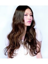 ヘアーデザイン コラボ(hair design co.llabo)外国人風ロングパーマ
