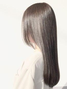 ジゼル 六本松店(GiseL)の写真/【縮毛矯正+CUT¥8900】《ナチュラルにクセを伸ばしたい!》ダメージレスで柔らかく艶のあるサラサラヘアに