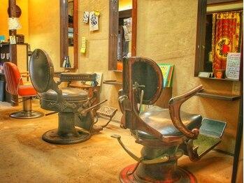 髪匠庵の写真/中崎町■海外で経験を積んだ熟練オーナーのカット技術と、心落ち着く空間。ずっと通いたくなる隠れ家サロン