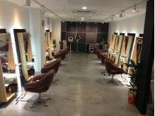 ヘアーデザイン クラフト(hair design Craft by floor)の雰囲気(広々ゆとりある空間でリラックス☆)