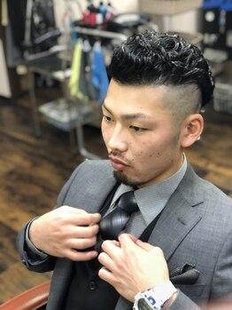 バーバーアンドビューティ シュプリーム(Barber&Beauty Supreme)の写真/【大垣市】輪郭や髪質に合わせてカット★コンプレックスを活かすヘアスタイルを経験豊富なスタッフがご提案