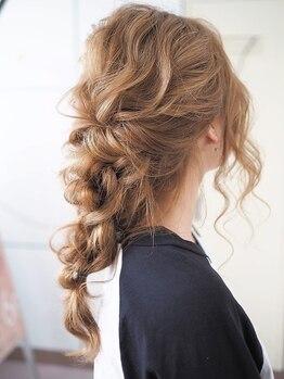 トゥワイス ヘアー(twice hair)の写真/【早朝5時より受付OK】≪ヘアセット¥1600/セット+着付¥3980~≫高技術だから崩れにくく綺麗な仕上がりに♪