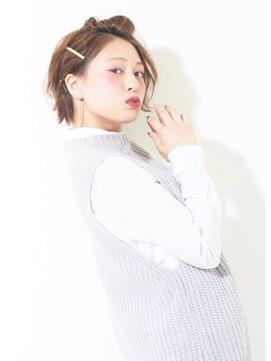 ハニー(HONEY)【HONEY表参道】耳かけ金ピン×バレッタ簡単アレンジ